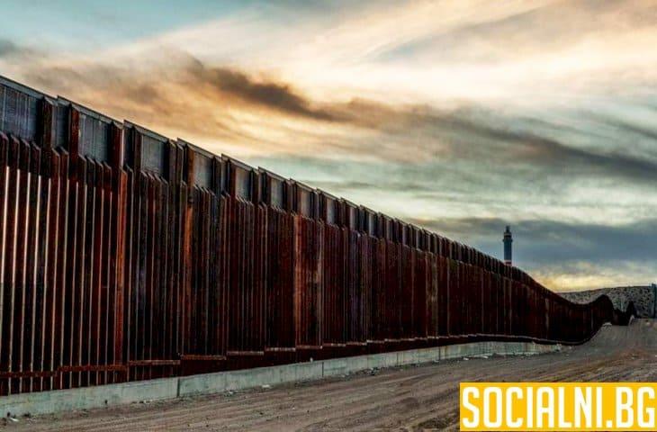 Тръмп строи стени в обществото си